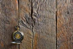 Alte antike Taschen-Uhr Stockfoto