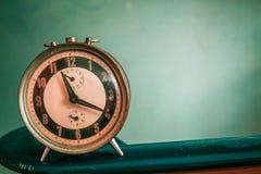 Alte antike Uhr Stockfotos