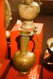 Alte Antiquitäten der kupfernen Geräte - Scharjah-Museum Lizenzfreies Stockfoto
