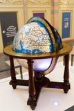 Alte Antiquitäten der Weltkarte innerhalb Scharjah-Museums Stockfotos
