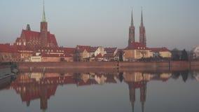 Alte Architektur auf Ostrow Tumski in Breslau stock video