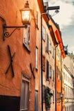 Alte Architektur in der alten Stadt von Stockholm, Schweden lizenzfreies stockbild
