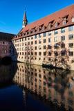 Alte Architektur und der Pegnitz-Fluss Stockfotos