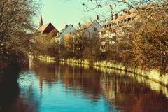 Alte Architektur und der Pegnitz-Fluss Lizenzfreie Stockfotografie