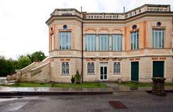 Alte Art des italienischen Landhauses lizenzfreies stockfoto