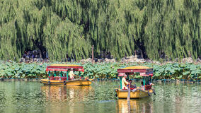 Alte Artausflugboote am Beihai See, Peking, China Lizenzfreies Stockbild
