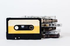 Alte Audiokassette lokalisiert auf weißem Hintergrund Historisches reco Stockfotografie