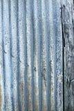 Alte aufeinander bezogene Blechtafel Lizenzfreies Stockbild