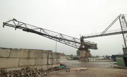Alte Ausrüstungen auf einer verlassenen Asphaltfabrik im Gouda, der jetzt für alle Art Ereignisse benutzt wird lizenzfreies stockfoto