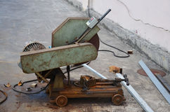 Alte Ausschnitt-Stahl-Maschine Lizenzfreies Stockfoto
