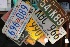 Alte Auto lisinse Platten Stockfotos