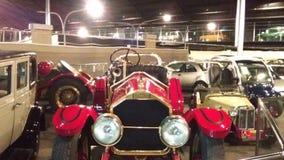 Alte Autos am Automuseum in Abu Dhabi stockfoto