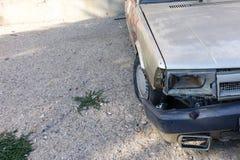 Alte Autos und Autounfälle Stockfotos