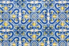Alte azulejos - handgemalte Fliesen von Lissabon Stockfotos