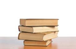 Alte Bücher auf dem Regal Lizenzfreie Stockfotografie