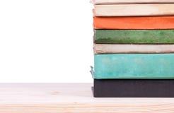 Alte Bücher auf Regal Lizenzfreies Stockbild