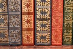Alte Bücher der Abdeckung Stockbilder