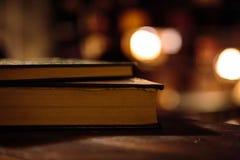 Alte Bücher an der Bibliothek Lizenzfreie Stockfotos