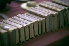 Alte Bücher an der Flohmarkt Stockfotografie