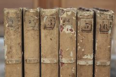 alte Bücher der Nahaufnahme für Hintergrund Lizenzfreie Stockfotos