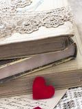 Alte Bücher in der Retro- Art Lizenzfreie Stockfotos