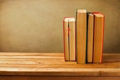Alte Bücher der Weinlese Stockfotos