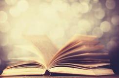 Alte Bücher der Weinlese Stockfoto