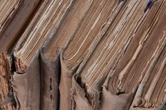 Alte Bücher der Weinlese in Folge Stockbilder
