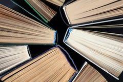 Alte Bücher des gebundenen Buches Stockbild