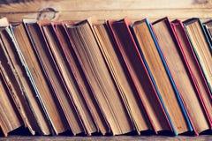 Alte Bücher des gebundenen Buches Lizenzfreie Stockfotografie