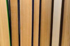 Alte Bücher des Stapels auf einem weißen Hintergrund Lizenzfreie Stockbilder