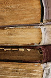Alte Bücher des Stapels wie Stockbilder