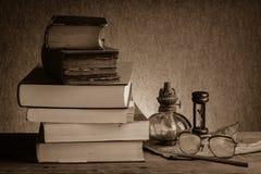 Alte Bücher des Stilllebens Lizenzfreie Stockfotos