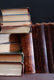 Alte Bücher eingestellt Stockfotos