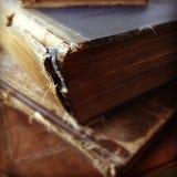 Alte Bücher in falschem Zustand Lizenzfreies Stockfoto