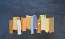 Alte Bücher, flache Lage Stockbilder