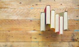 Alte Bücher, flache Lage, Stockfoto