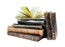Alte Bücher getrennt auf einem Weiß Stockfoto