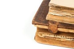 Alte Bücher getrennt auf einem Weiß Stockfotos