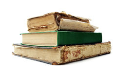 Alte Bücher getrennt auf weißem Hintergrund Stockfotografie