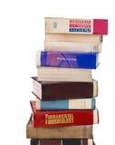 Alte Bücher im Stapel lokalisiert auf weißem Hintergrund Stockfotos