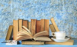 Alte Bücher, Lernkonzept Lizenzfreie Stockfotos
