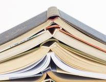 Alte Bücher lokalisiert auf weißem Hintergrund Lizenzfreie Stockfotografie