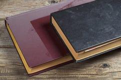 Alte Bücher mit Staub Lizenzfreie Stockbilder