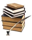 Alte Bücher, Tintetopf und Feder Lizenzfreie Stockbilder