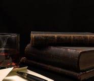 Alte Bücher und Buchstabe Lizenzfreies Stockbild
