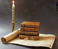 Alte Bücher und Karte des 17. Jahrhunderts Stockbild