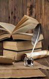 Alte Bücher und Karten Lizenzfreies Stockfoto