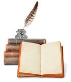 Alte Bücher und Schreibtischgarnitur lizenzfreie stockfotos