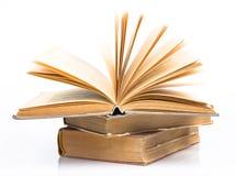 Alte Bücher zusammen angehäuft Lizenzfreies Stockbild